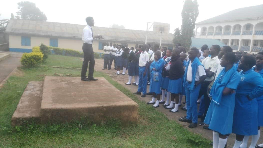 Edmund speaks to students of Mukono Parents SS.